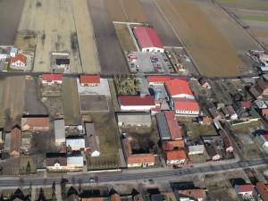 Widok na fabrykę z lotu ptaka