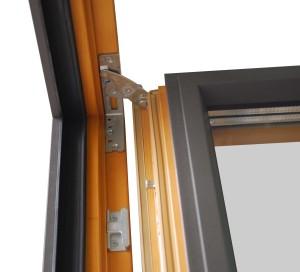 3. Okno dwuskrzydłowe zawias górny